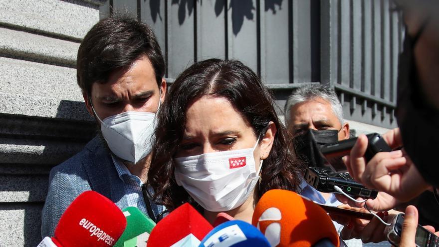 Ayuso se pregunta si Sánchez habla de magnanimidad para seguir en la Moncloa