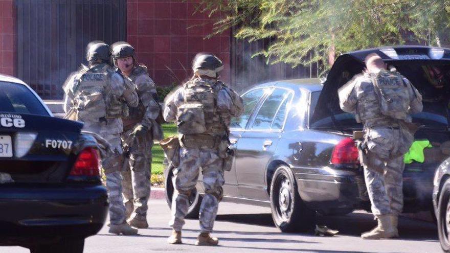"""La Policía confirma """"algunas muertes"""" en el tiroteo de California"""