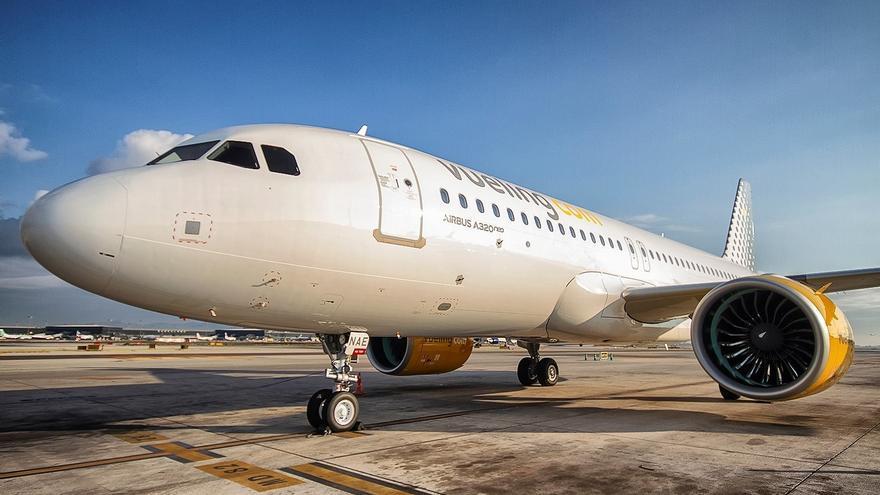 Avión Airbus A320 de la compañía aérea Vueling.