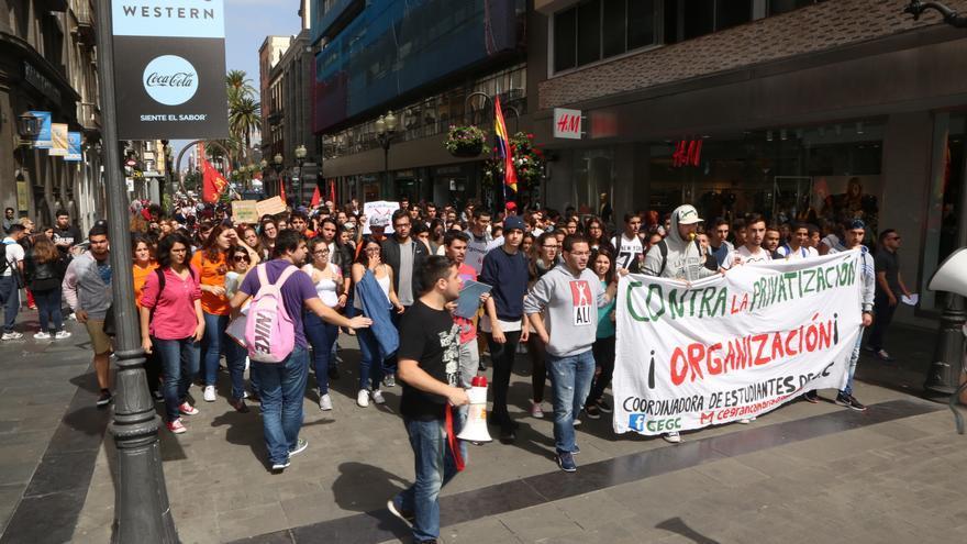 Manifestación de estudiantes en Las Palmas de Gran Canarias. (ALEJANDRO RAMOS)
