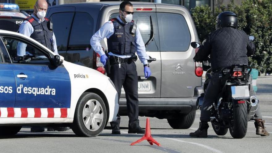Un total de 44 policías dan positivo en Cataluña y 1.432 están aislados