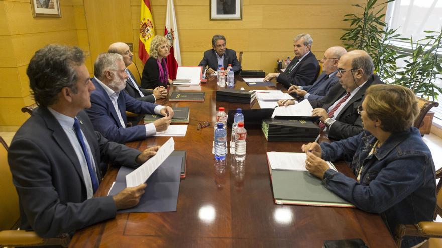 Reunión del Consejo de Gobierno celebrada este jueves en Peña Herbosa. |