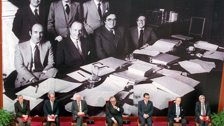 Imagen de los padres de la Constitución española.