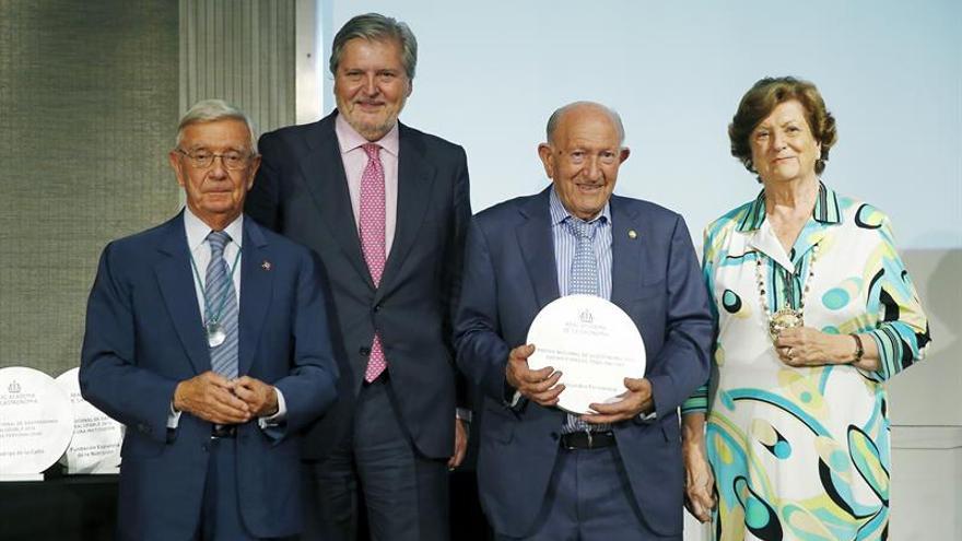 Méndez de Vigo pone a la cocina como ejemplo de unidad en los Premios de Gastronomía