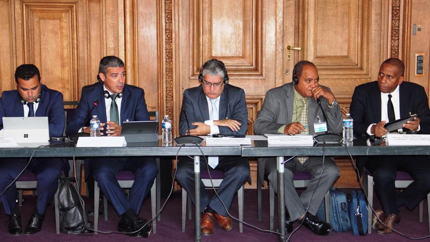 Un momento de la reunión en París del Comité Mixto Europeo.
