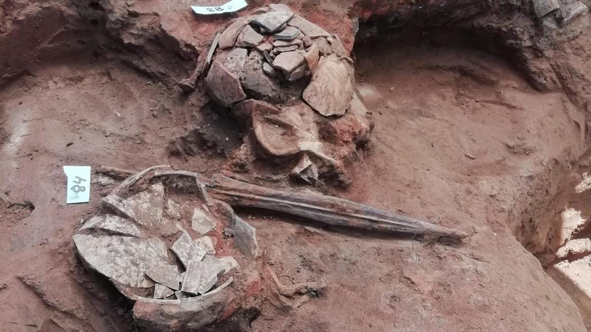 Puñal romano de hierro