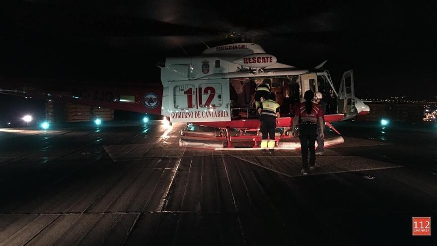 Muere una niña alemana de 6 años evacuada a Cruces tras sufrir un ahogamiento en la playa cántabra de Langre