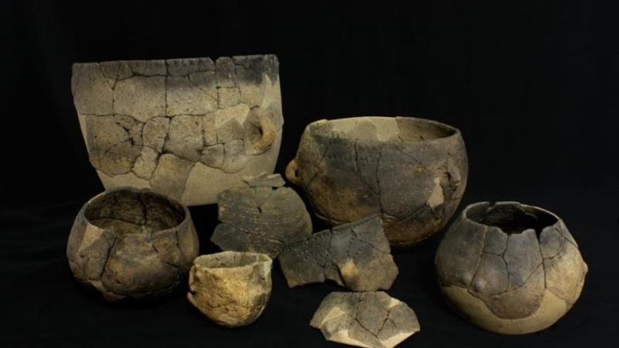 Fotografía cedida de Annabelle Cocollos, Conseil départemental du Calvados ou CD14 publicada en Germain-Vallée et al. 2015 de la Cerámica procedente del yacimiento arqueológico de Verson (Francia) analizada en la investigación.