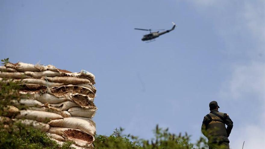 Encuentran accidentado el helicóptero del Ejército desaparecido en Colombia