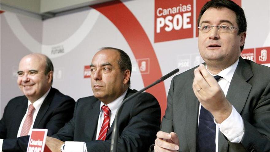 El PSOE anuncia un acuerdo para que los municipios recurran la reforma local