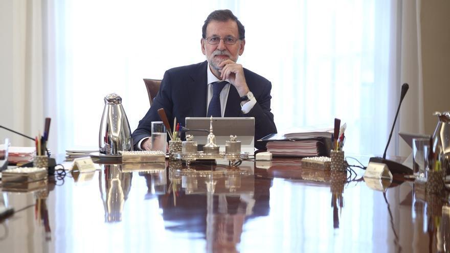 Rajoy seguirá en Moncloa con su equipo la jornada y Pedro Sánchez lo hará desde Ferraz