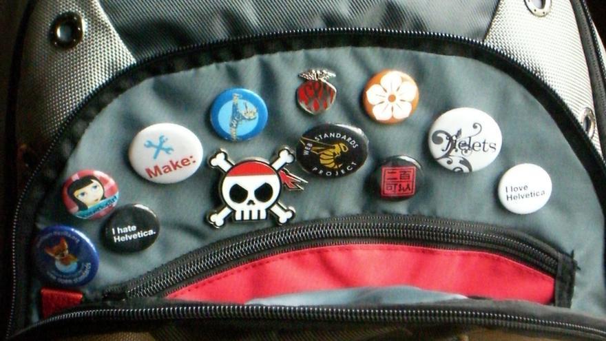 Las insignias, chapas o 'badges' llevan con nosotros mucho tiempo: ahora sirven también para demostrar habilidades. Imagen de Aaron Gustafson @Flickr cc BY-SA