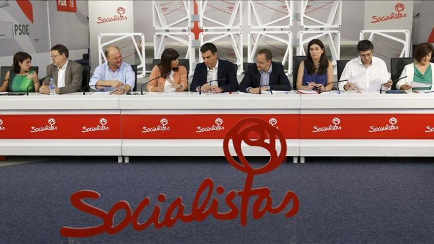 El PSOE impulsará un frente de oposición contra la reforma electoral