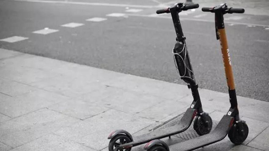 Santa Cruz de Tenerife vigilará que los conductores de patinetes eléctricos respeten el reglamento