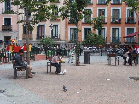 Estado de la plaza Juan Pujol, hace unos años | SOMOS MALASAÑA