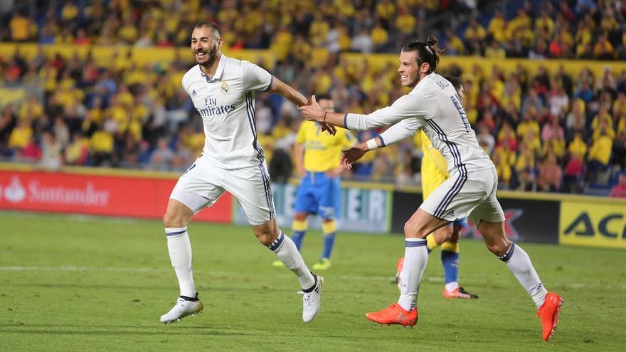 Benzema celebra su gol. (ALEJANDRO RAMOS)