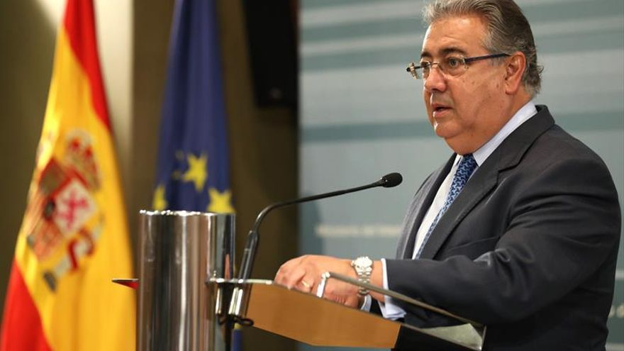 Zoido atribuye a Italia los retrasos en la reubicación de refugiados