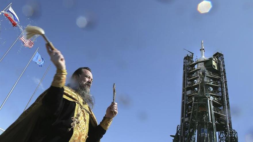Lanzan satélite español Amazonas-5 desde el cosmódromo de Baikonur