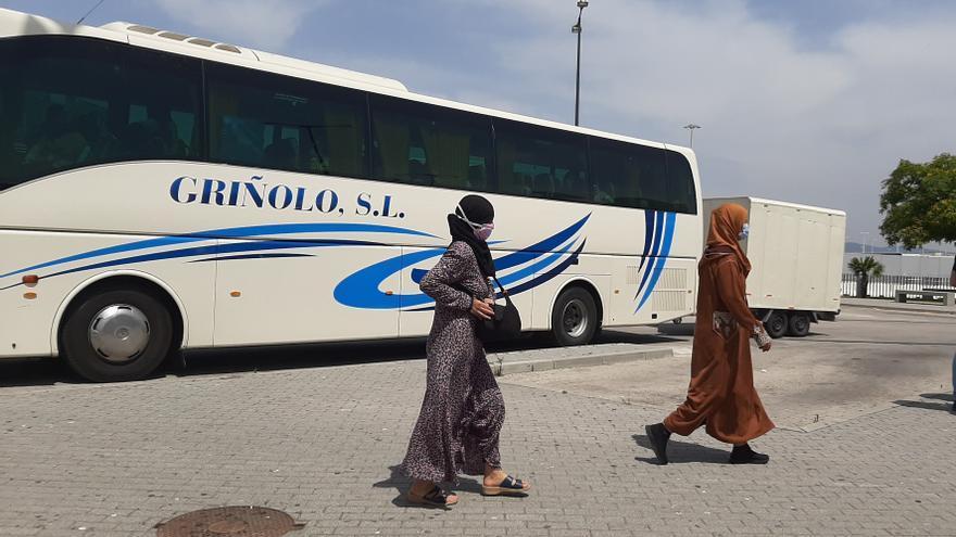 Concluye el retorno de 12.000 marroquíes desplazadas a Huelva para la campaña