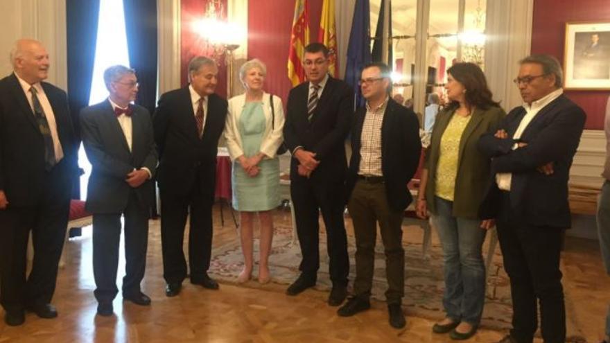 Acto de homenaje y desagravio a Juan Negrín en el Parlamento Valenciano