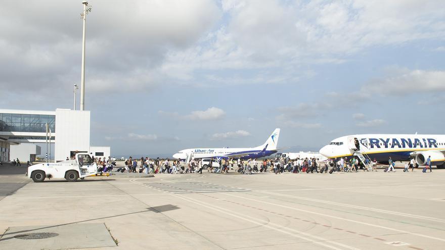 Embarque en el aeropuerto de Castelló. Imagen proporcionada por Aerocas.
