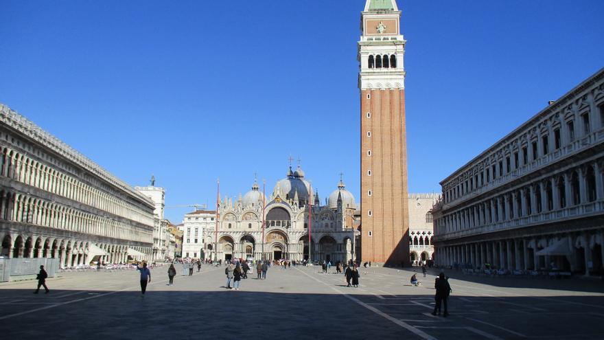 La plaza de San Marcos, en Venecia (Italia) después de que se decretara la restricción de movimientos