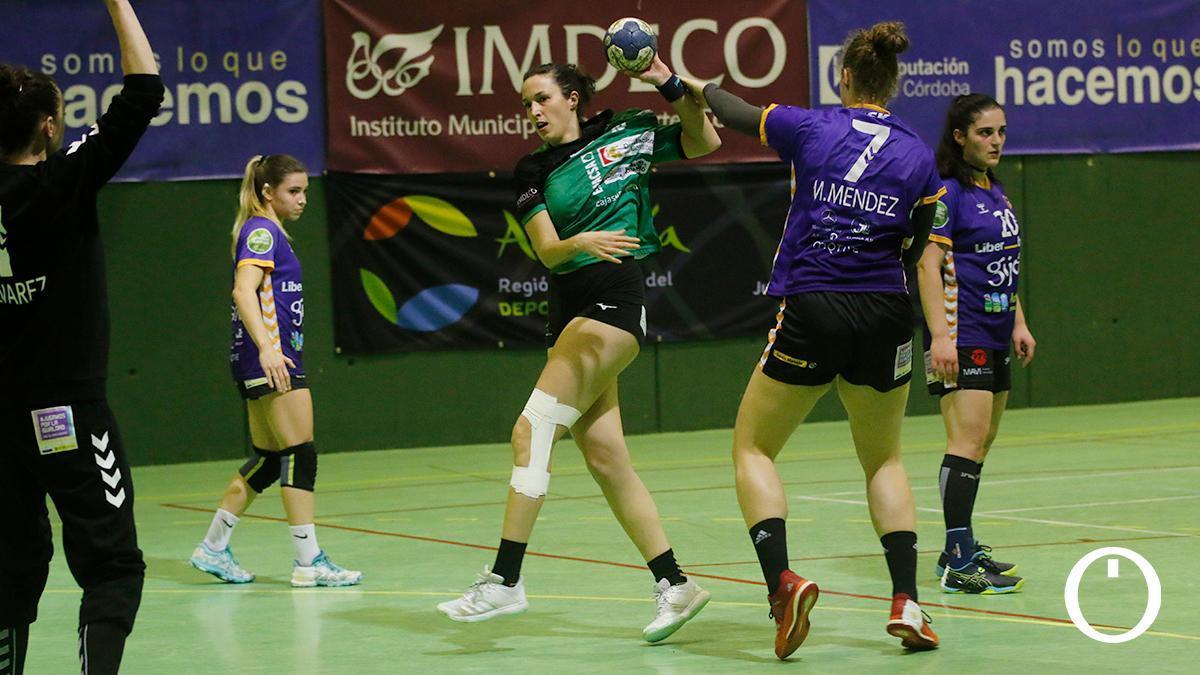 Fanny Monros durante un partido con Adesal