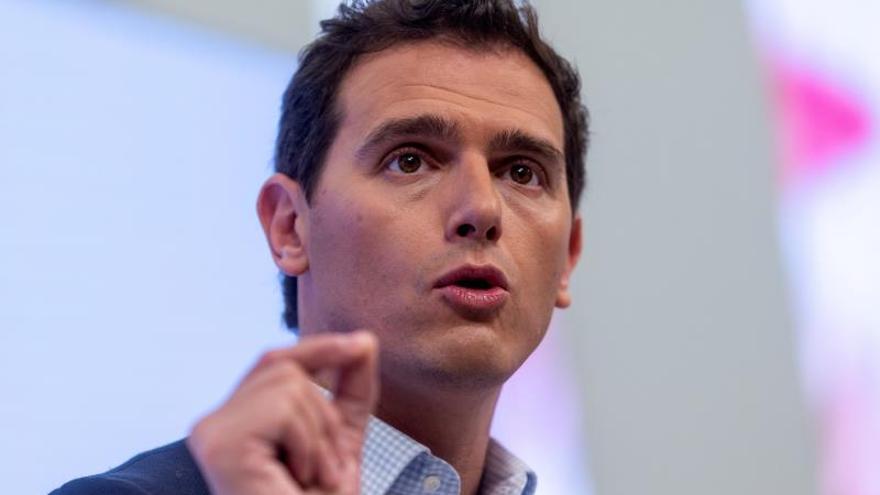 """Rivera cierra la puerta a la política pero crea un espacio """"de líderes"""""""