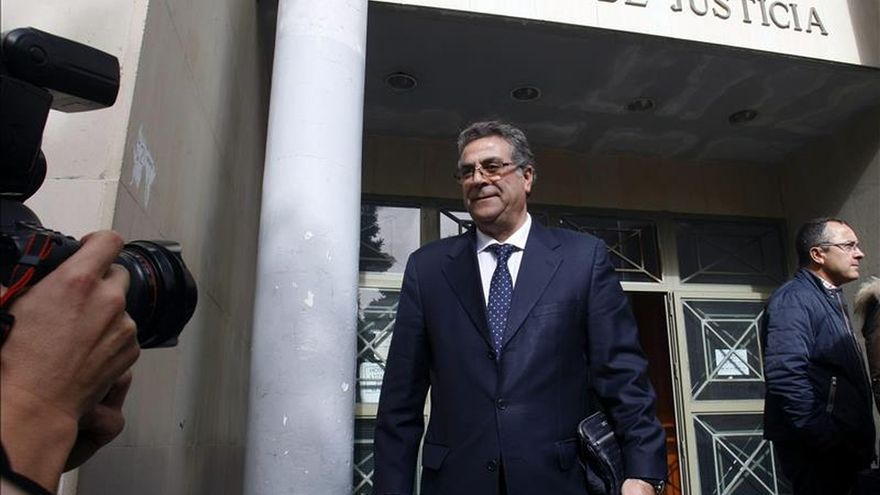 L'empresari Enrique Ortiz a l'eixida dels jutjats.