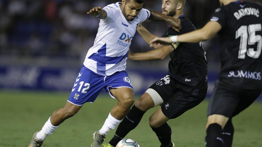 Nahuel Leiva en el encuentro Tenerife-Huesca de esta temporada.