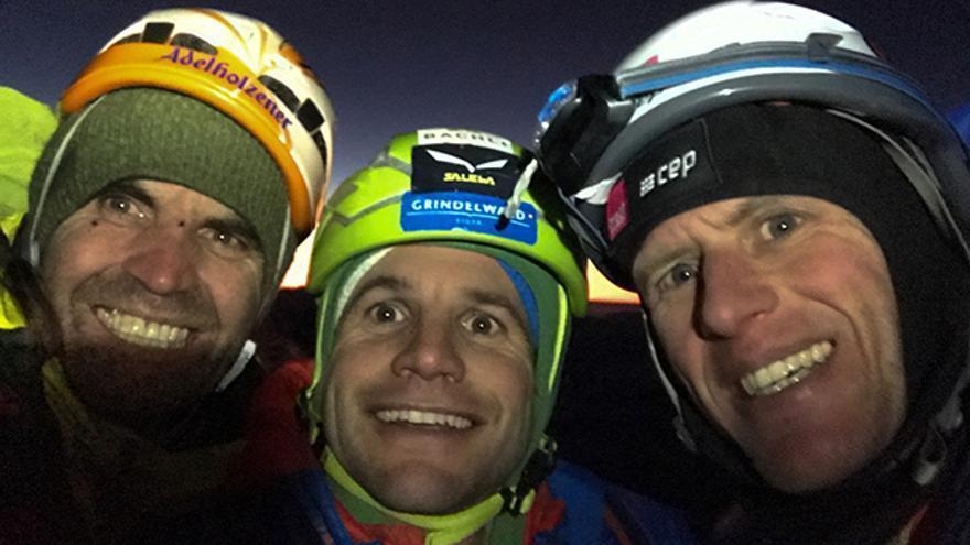 Después de escalar 'Metanoia: (de izquierda a derecha) Thomas Huber, Roger Schaeli y Stephan Siegrist.