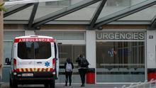 Entrada de urgencias del hospital Doctor Peset, en València, durante la epidemia de coronavirus.