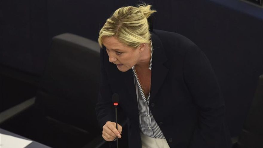 Le Pen ganaría la primera vuelta de las presidenciales de celebrarse ahora
