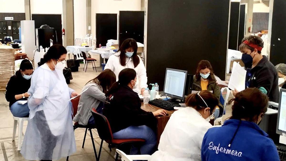 Organización de los equipos de vacunación en el área de salud de Mérida