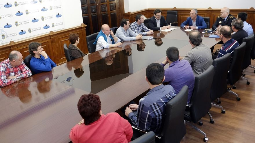 """Santander pide una reunión a Transportes para """"optimizar"""" el control de servicios de taxis"""