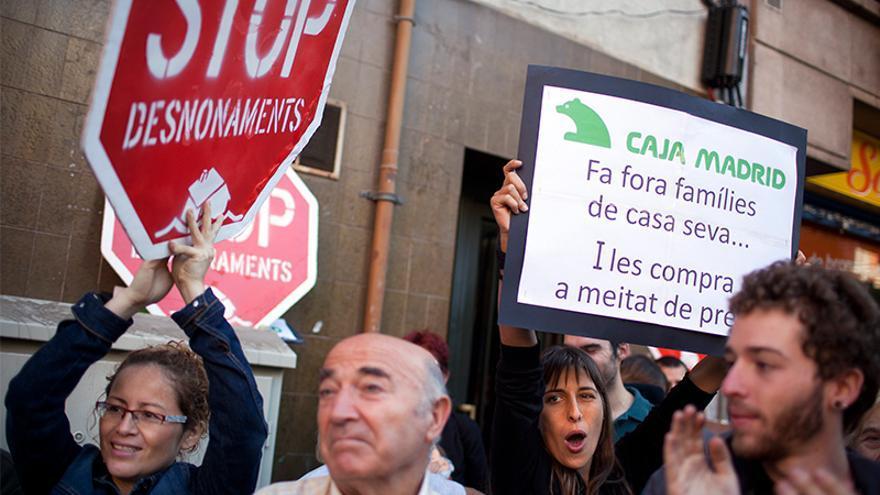 Manifestación contra el desalojo de un vecino de Barcelona. FOTO: EDU BAYER