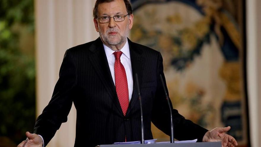 """Rajoy destaca el """"profundo humanismo"""" y el prestigio mundial de Rodés"""
