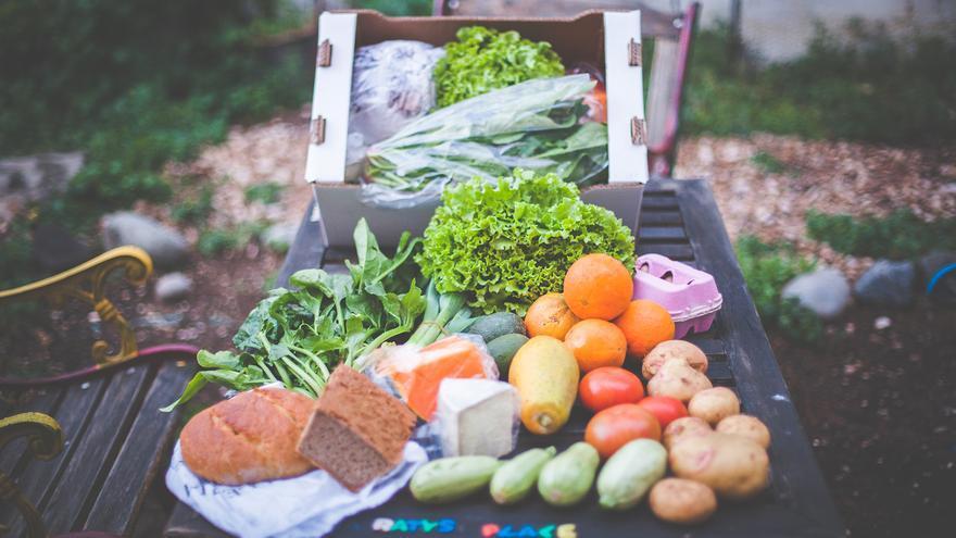 Ejemplo de alimentos que podemos encontrar en una cesta
