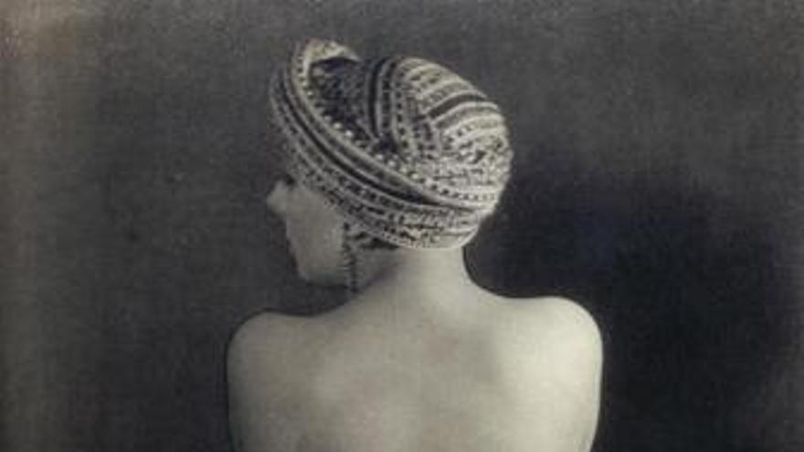 El violín de Ingres de Man Ray (1924)