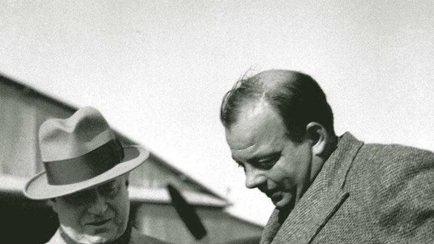 Saint-Exupéry y Marcel Peyrouton en 1935. | Wikimedia Commons