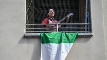 Italia y Portugal cantan el 'Bella Ciao' y el 'Grândola, Vila Morena' desde los balcones para conmemorar su liberación del fascismo