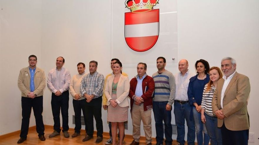 Firmantes del Pacto en defensa del complejo minero-eléctrico de Puertollano / Foto: Europa Press