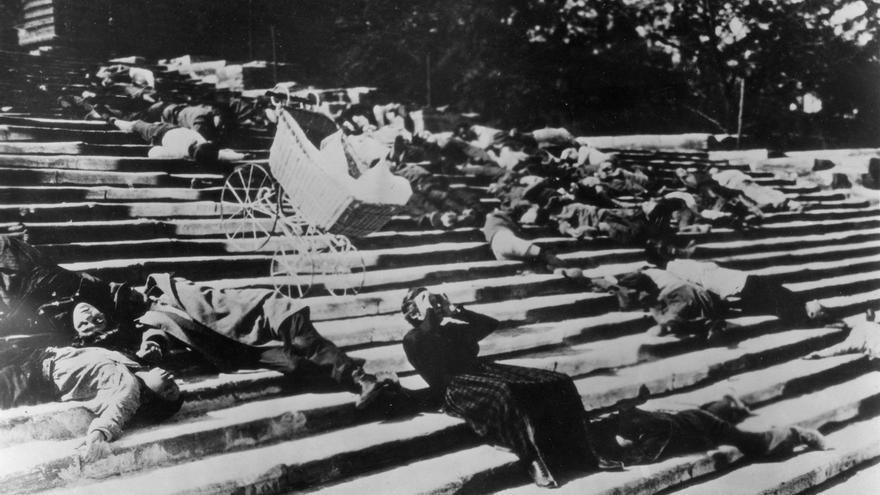 Fotograma de las escaleras de Odesa, una de las escenas más recordadas de Serguéi Eisenstein