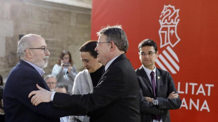 Manuel Alcaraz junto a Ximo Puig en la presentación de la propuesta constitucional valenciana