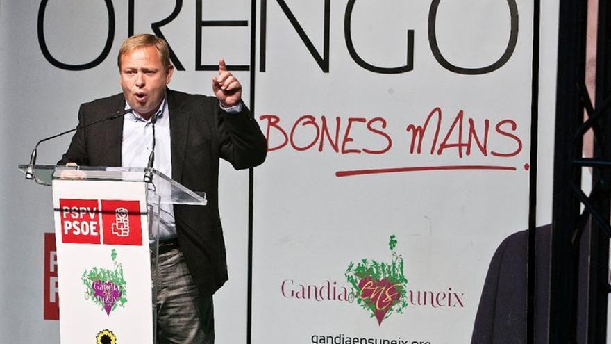 El socialista José Manuel Orengo en un acto electoral en Gandia en 2011