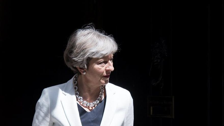 """May dispuesta a ofrecer la libre circulación durante dos años tras el """"brexit"""""""