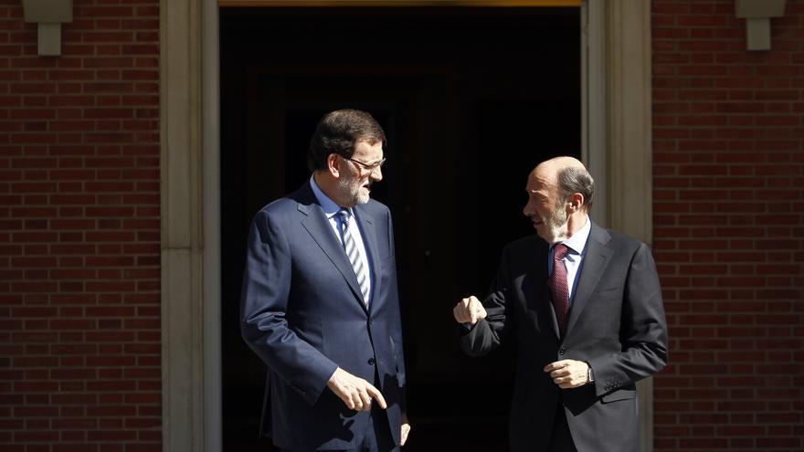Los votantes del PSOE puntúan mejor a Cayo Lara que a Rubalcaba y los del PP prefieren a Rosa Díez y a Santamaría