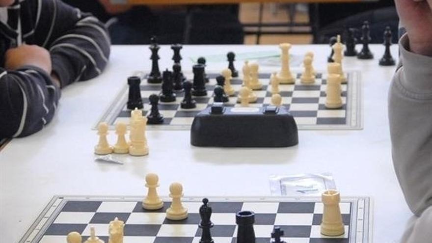 Centros docentes podrán incorporar el próximo curso el ajedrez como herramienta pedagógica en aulas