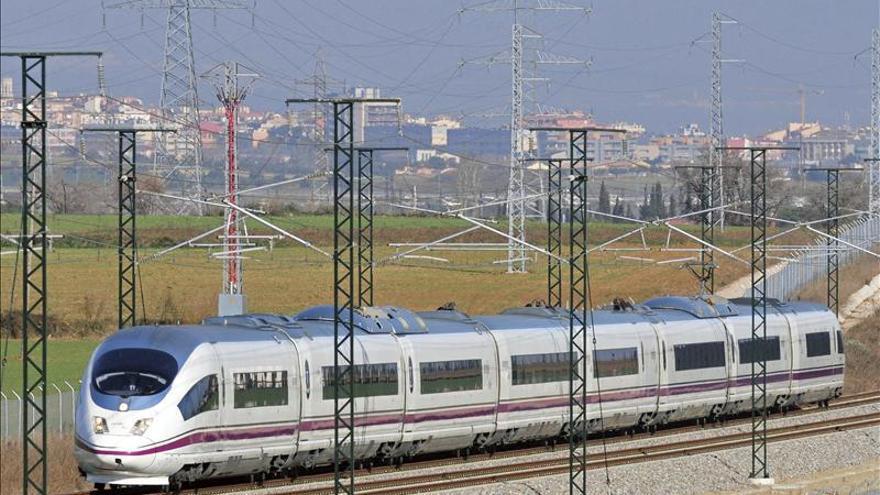 El primer tren AVE entre Barcelona y París podría circular el 15 de diciembre