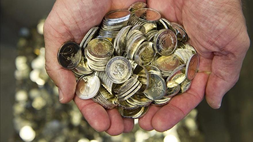 El euro sube hasta los 1,3502 dólares en Fráncfort